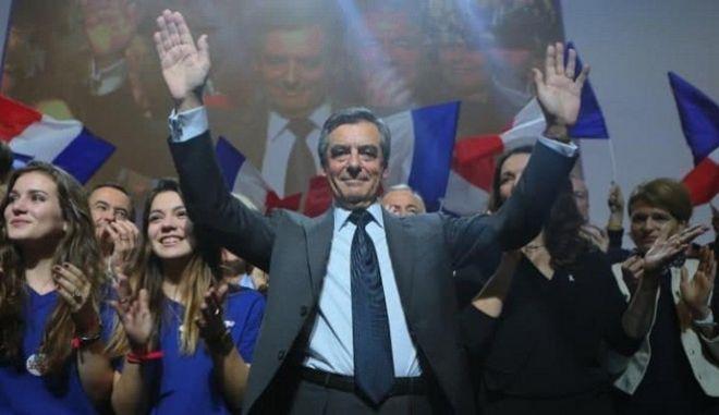 Γαλλία: Σαρωτική νίκη με σχεδόν 70% για τον Φρανσουά Φιγιόν