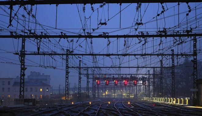 Ακινητοποιημένα θα παραμείνουν τα Μέσα Μαζικής Μεταφοράς στη Γαλλία λόγω των προγραμματισμένων κινητοποιήσεων
