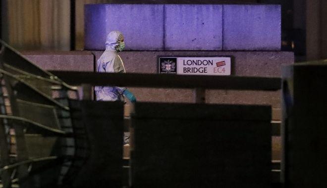 Επίθεση με μαχαίρι στη γέφυρα London Bridge