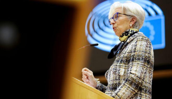 """Λαγκάρντ: """"Η ευρωπαϊκή οικονομία στηρίζεται σε δύο πατερίτσες"""""""