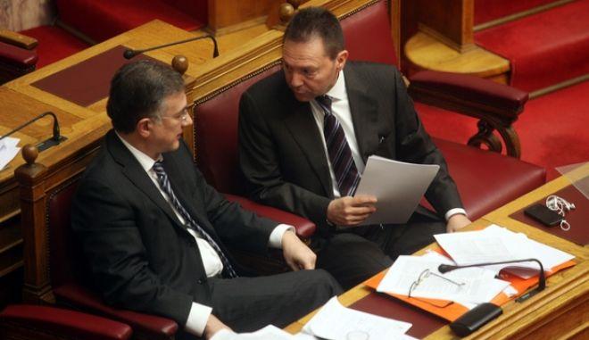 ΑΘΗΝΑ-Βουλή, νομοσχέδιο του Υπ. Οικονομικών για το φορολογικό// Στη φωτογραφία ο υπουργός οικονομικών Γιάννης Στουρνάρας (δ) και ο  Γιώργος Μαυραγάνης (α), υφυπουργός οικονομικών.(EUROKINISSI)