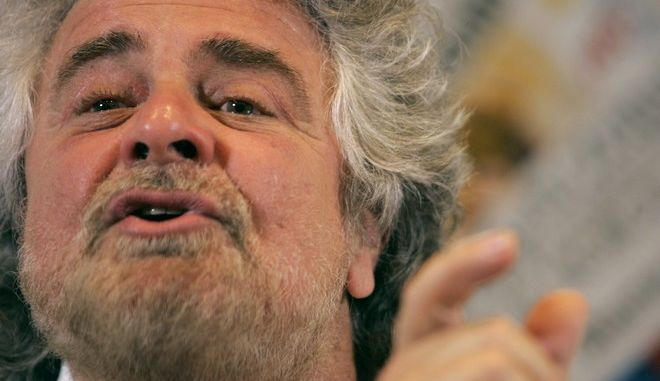 Italian comedian Beppe Grillo meets the Foreign Press in Rome, Thursday, April 3, 2008.  (AP Photo/Pier Paolo Cito)
