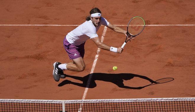 Ο Στέφανος Τσιτσιπάς στον τελικό του Roland Garros με τον Νόβακ Τζόκοβιτς