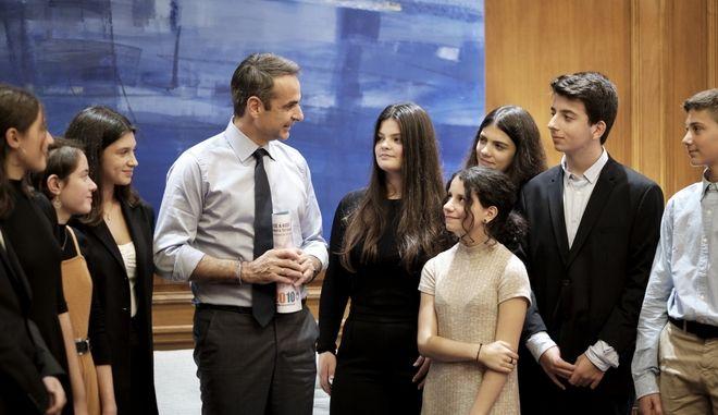Από τη συνάντηση του πρωθυπουργού με τους εθελοντές του Χαμόγελου του Παιδιού.