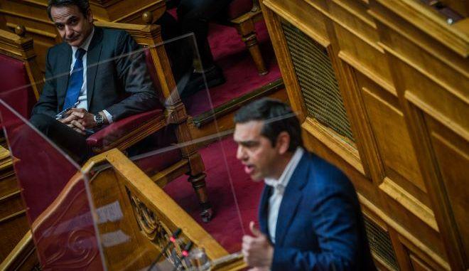 Ο Κ.Μητσοτάκης και ο Α.Τσίπρας στην Βουλή