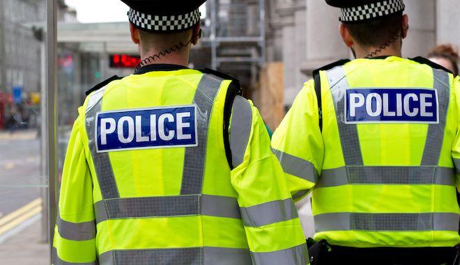 Βρετανία-κορονοϊός: Η αστυνομία διέλυσε γάμο με σχεδόν 400 καλεσμένους