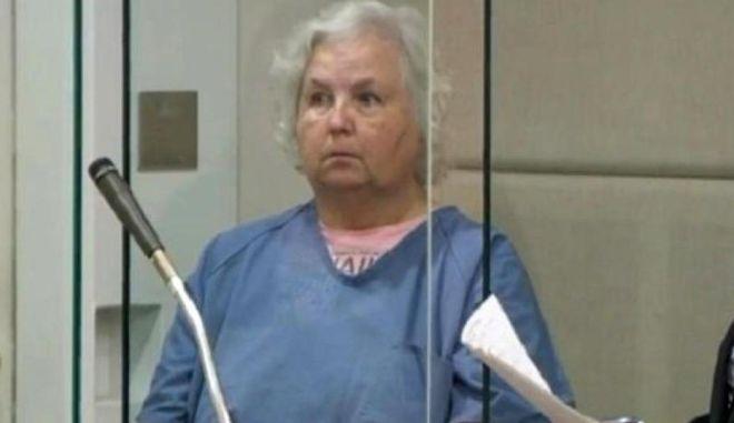 """Η συγγραφέας του """"Πως θα σκοτώσεις τον άντρα σου"""" κατηγορείται για δολοφονία του άντρα της"""