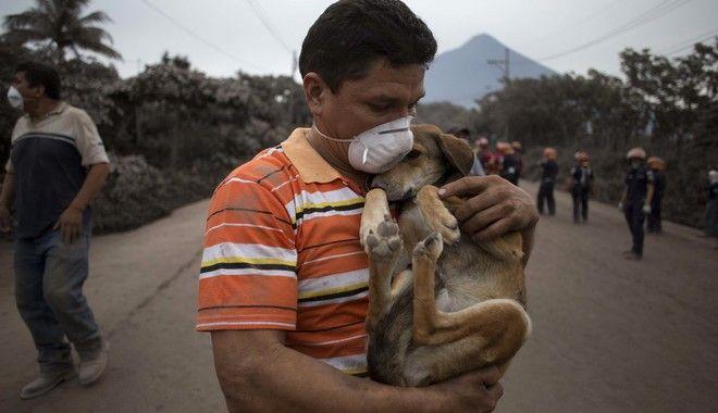 Στο έλεος του ηφαιστείου Φουέγκο η Γουατεμάλα
