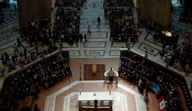 Η κηδεία του Φράνκο Τζεφιρέλι