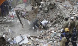 Ινδία: Φονική κατάρρευση 4ωροφου κτηρίου