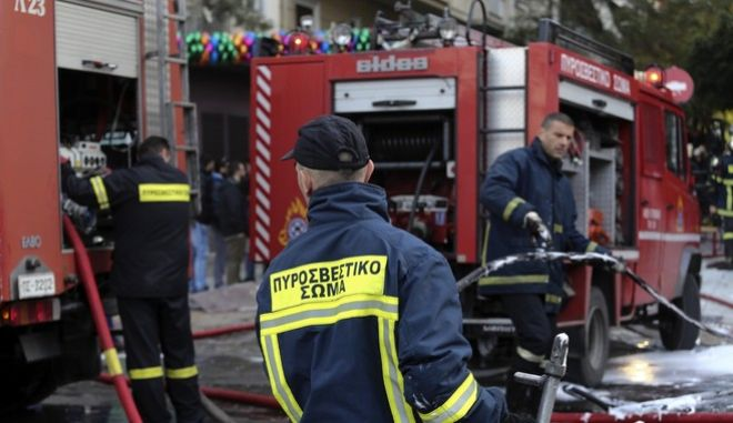 Accidental explosion at a fast food shop, at Victoria Square, Athens, on Dec.1 2016 /      ,  1 , 2016