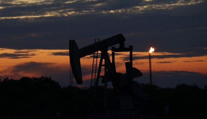 Εξόρυξη πετρελαίου στο Τέξας (AP Photo/Eric Gay)