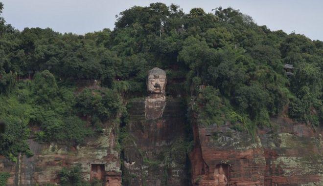 Ο γιγάντιος Βούδας του Λεσάν