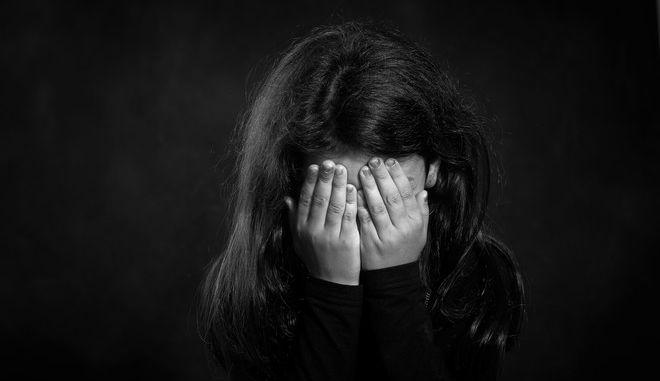 Παιδί που έχει υποστεί σεξουαλική κακοποίηση (φωτογραφία αρχείου)