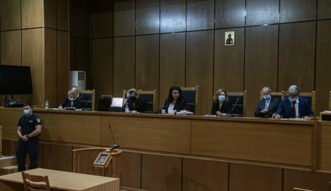 Δίκη Χρυσής Αυγής: Η ώρα των ποινών - Στις 12 το μεσημέρι συνεδριάζει το δικαστήριο