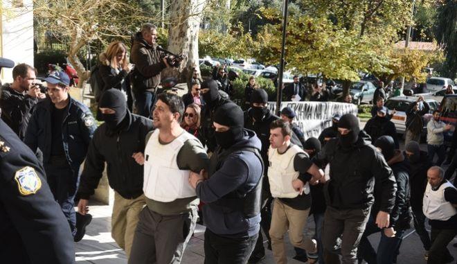 ΑΘΗΝΑ-Στον εισαγγελέα οι 9 Τούρκοι που συνελήφθησαν χθες από την αντιτρομοκρατική σε τρία σπίτια στον Νέο Κόσμο και την Καλλιθέα.(Eurokinissi-ΜΠΟΛΑΡΗ ΤΑΤΙΑΝΑ)