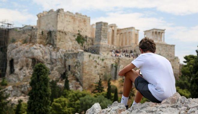 Στιγμιότυπα τουριστών στην Αθήνα.