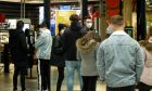 "Take Away: Πρόστιμα για τα ""πηγαδάκια"" έξω από καφέ και εστιατόρια"