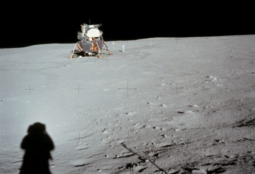 10 λόγοι για να μην πιστέψουμε ότι ο άνθρωπος πήγε στο φεγγάρι