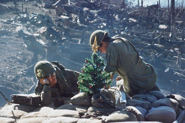 Γιορτάζοντας τα Χριστούγεννα στα χαρακώματα: 7 φωτογραφίες - ντοκουμέντο