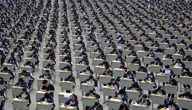 Η 'τράπεζα βαθμών' που ξελασπώνει μαθητές σε εξετάσεις