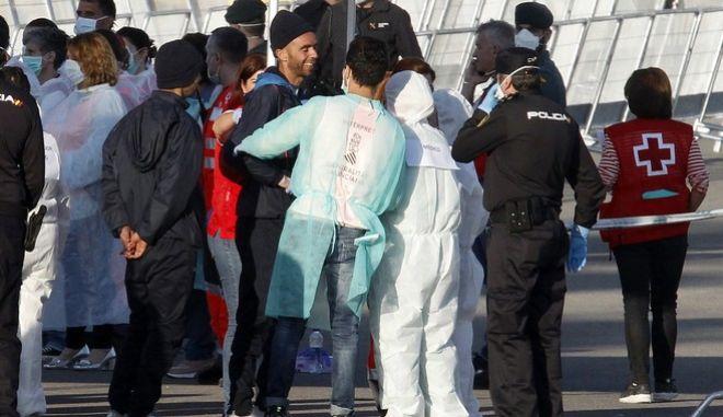 Στη Βαλένθια έφτασαν οι πρόσφυγες