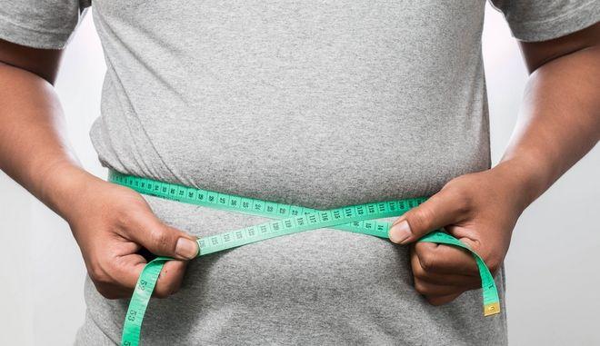 Παχύσαρκος άνδρας.