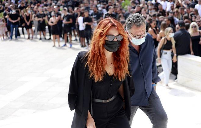Mad Clip: Πλήθος κόσμου στην κηδεία του γνωστού τράπερ - Θλίψη και συγκίνηση