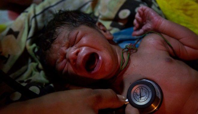 Γονείς στην Ινδία έδωσαν σε δίδυμα νεογέννητα τα ονόματα του κορονοϊού!