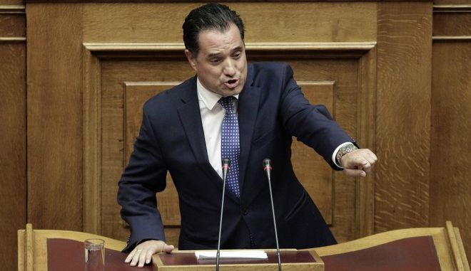 """Ο βουλευτής της Νέας Δημοκρατίας Άδωνις Γεωργιάδης κατά την συζήτηση του σχεδίου νόμου του Υπουργείου Δικαιοσύνης, Διαφάνειας και Ανθρωπίνων Δικαιωμάτων """"Νομική αναγνώριση της ταυτότητας φύλου - Εθνικός Μηχανισμός Εκπόνησης, Παρακολούθησης και Αξιολόγησης των Σχεδίων Δράσης για τα Δικαιώματα του Παιδιού και άλλες διατάξεις"""", την Δευτέρα 9 Οκτωβρίου 2017. (EUROKINISSI/ΓΙΑΝΝΗΣ ΠΑΝΑΓΟΠΟΥΛΟΣ)"""