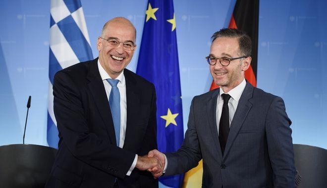 Οι υπουργοί Εξωτερικών Ελλάδας και Γερμανίας.
