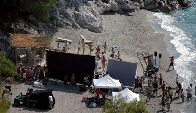 """Στιγμιότυπο από τα γυρίσματα του """"Mamma Mia"""" στην Σκόπελο"""