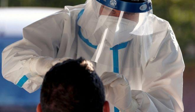 Κορονοϊός: 599 νέα κρούσματα στην Ελλάδα, 33 νεκροί και 328 διασωληνωμένοι