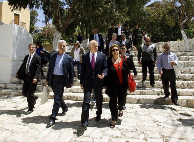 Ο πρώην Πρωθυπουργός με την τότε Υπουργό Οικονομίας, Ανταγωνιστικότητας και Ναυτιλίας, Λούκα Κατσέλη