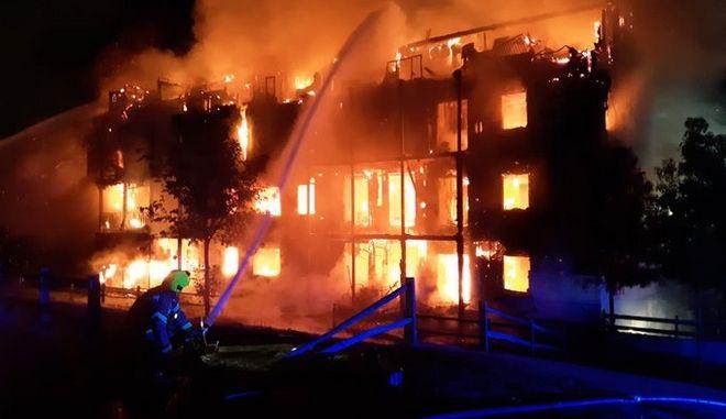 Φωτιά σε κτίριο στο Λονδίνο