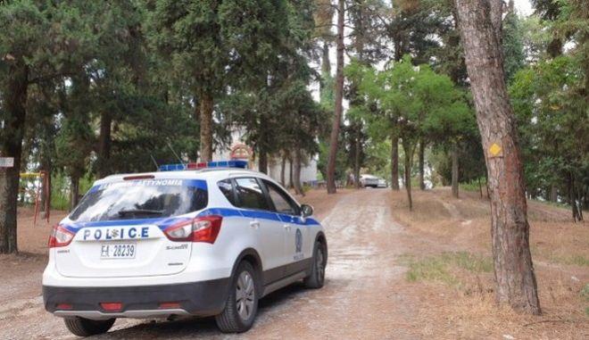 Τρίκαλα: Νεκρή βρέθηκε νεαρή γυναίκα- Έρευνα για εγκληματική ενέργεια