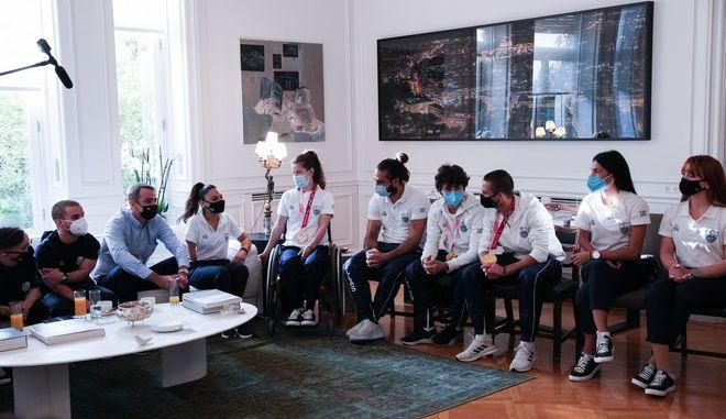 Συνάντηση του Κυριάκου Μητσοτάκη με τα μέλη της ελληνικής αποστολής στους Παραολυμπιακούς Αγώνες του Τόκιο
