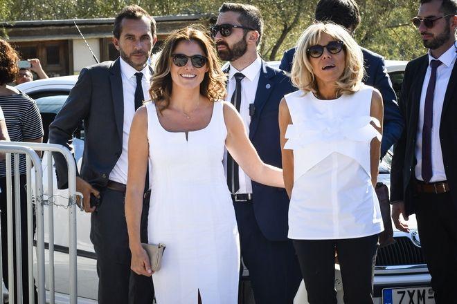 Επίσκεψη της Μπριζίτ Τρονιέ, συζύγου του Προέδρου της Γαλλικής Δημοκρατίας Εμμ. Μακρόν, στο Ίδρυμα Σταύρος Νιάρχος την Πέμπτη 7 Σεπτεμβρίου 2017.  Η σύζυγος του Γάλλου Προέδρου συνοδεύονταν από την σύζυγο του Πρωθυπουργού Αλ. Τσίπρα, Μπέτυ Μπαζιάνα. (EUROKINISSI/ΑΝΤΩΝΗΣ ΝΙΚΟΛΟΠΟΥΛΟΣ)