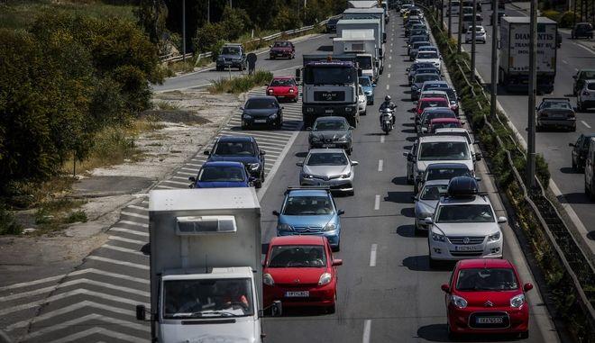Στιγμιότυπο από την εθνική οδό Αθηνών -Κορίνθου (φωτογραφία αρχείου)