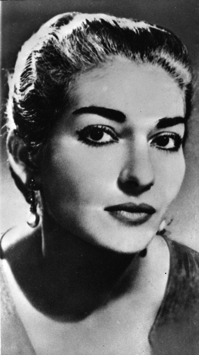 ** ARCHIV ** Archivbild aus dem Jahr 1950 zeigt Maria Callas. 30 Jahre nach ihrem Tod am 16. September 1977 ist die laengst legendaere Gesangsdiva des 20. Jahrhunderts unvergessener denn je. (AP Photo/Str) ** zu unserem KORR. APD8043 **