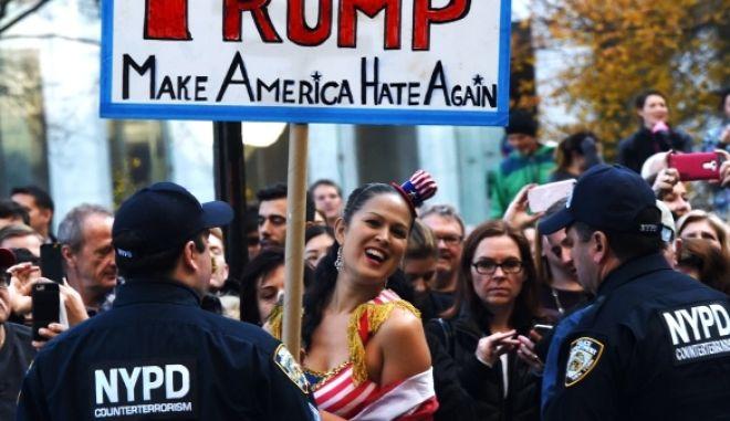 Ο 'δημοκρατικός φασισμός' του Ντόναλντ Τραμπ και οι Ινδιάνοι