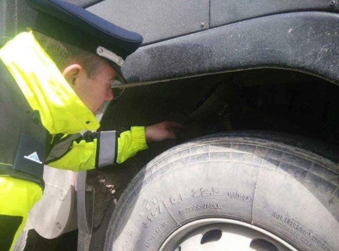 Έλεγχοι σε φορτηγά: 600 παραβάσεις - 16 οδηγοί χωρίς δίπλωμα!