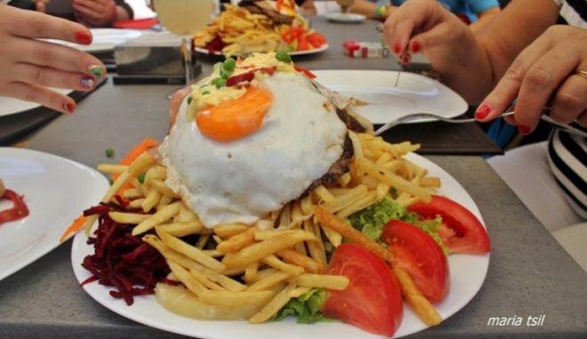 chivito, το εθνικό πιάτο της Ουρουγουάης