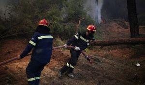 Οι άνδρες της πυροσβεστικής δεν κάνουν διακοπές