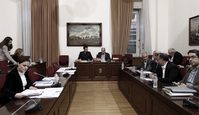 Εξεταστική: Παραδοχή μάρτυρα για την οικογενειοκρατία στο ΚΕΕΛΠΝΟ