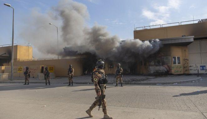Ιρακινοί στρατιώτες έξω από την πρεσβεία των ΗΠΑ στο Ιράκ, Αρχείο