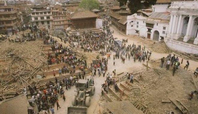 Πάνω από 5.000 ο αριθμός των θυμάτων στο Νεπάλ