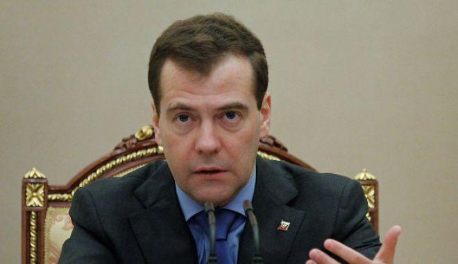 """Μεντβιέντεφ: """"Κατάσχεση ξένων χρημάτων"""" ο δασμός στις κυπριακές καταθέσεις"""