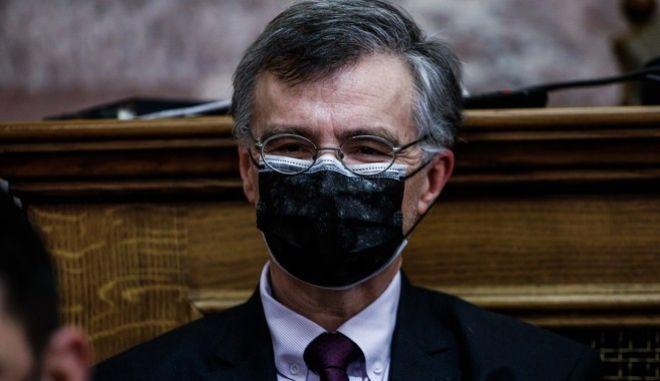 Ο καθηγητής, Σωτήρης Τσιόδρας στην Επιτροπή Θεσμών της Βουλής