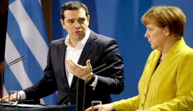 Spiegel: Μια ιδιότυπη συμμαχία Αθήνας - Βερολίνου
